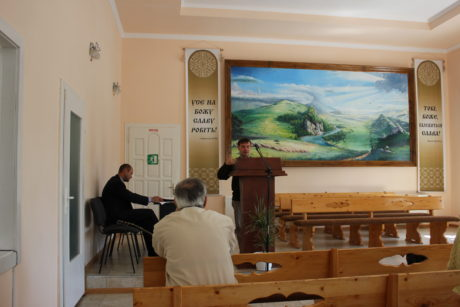 Preaching at the church in the town of Verhovyna
