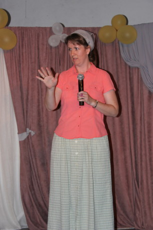 Wendy sharing her testimony